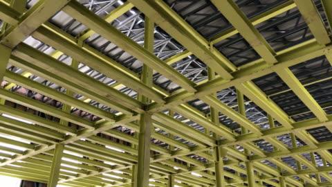 vídeos y material grabado en eventos de stock de construcción de acero de elemento - acero inoxidable