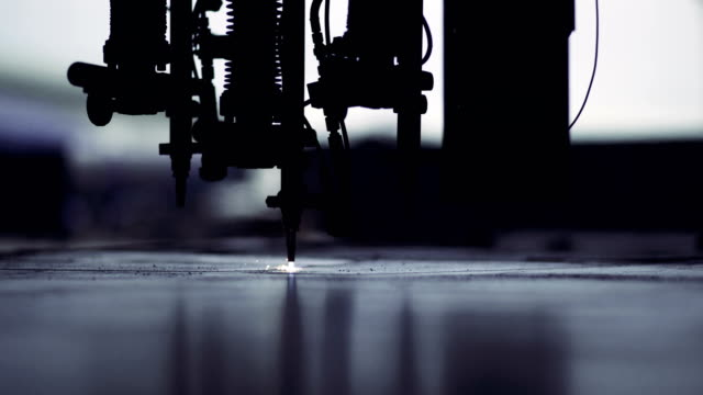 ein stahl gas-schneidemaschine - 4k auflösung stock-videos und b-roll-filmmaterial