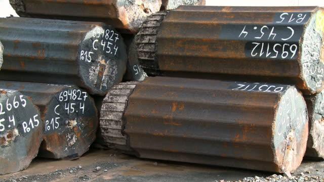 vidéos et rushes de ms steel girders at steel factory / remscheid, north rhine westphalia, germany   - groupe moyen d'objets
