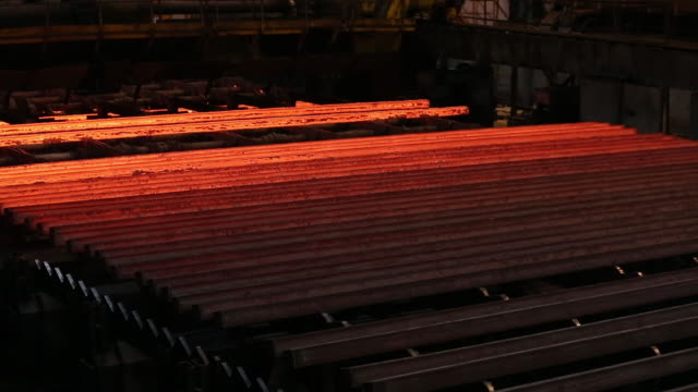 steel manufacture at the evraz plc consolidated west-siberian metallurgical plant in novokuznetsk. russia is the world's no. 3 net steel exporter,... - plc stock videos & royalty-free footage