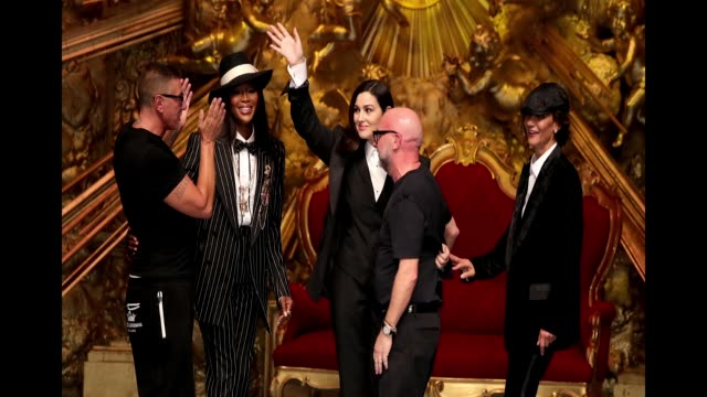 stockvideo's en b-roll-footage met stefano gabbana naomi campbell monica bellucci domenico dolce and marpessa hennink walk the runway at the dolce gabbana show during milan men's... - week