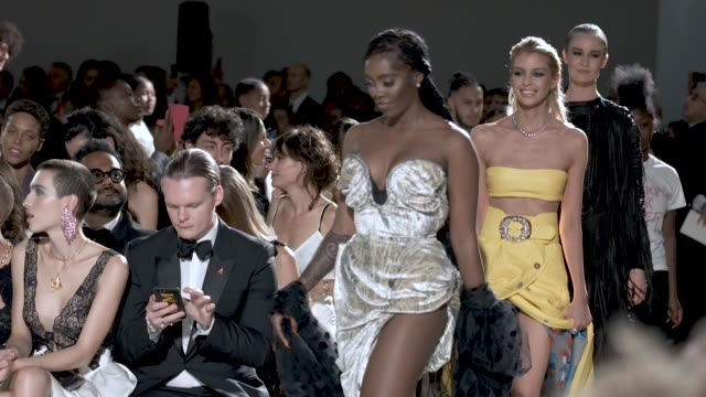 slomo stella maxwell damson idris adut akech at fashion for relief 2019 at british museum on september 14 2019 in london england - plum stock videos & royalty-free footage