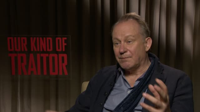 stellan skarsgard on the film, on john le carre's writing at at 'our kind of traitor' interviews on april 06, 2016 in london, england. - デビッド コーンウェル点の映像素材/bロール