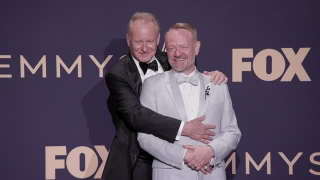 vídeos y material grabado en eventos de stock de stellan skarsgård and jared harris at the 71st emmy awards - press room at microsoft theater on september 22, 2019 in los angeles, california. - premios emmy