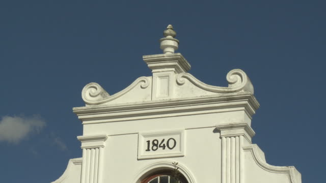 cu stellenbosch dutch reformed church gable, franschhoek, western cape, south africa - gable stock videos & royalty-free footage
