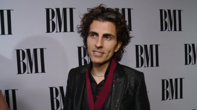 vídeos de stock, filmes e b-roll de interview stephan moccio on what it means to receive this recognition from bmi the most rewarding part of songwriting and how bmi has played a part... - four seasons hotel