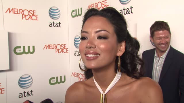 stephanie jacobsen on her character, how excited she is to be on the show, and why shows like melrose place become so popular. at the 'melrose place'... - 肥皂劇 個影片檔及 b 捲影像