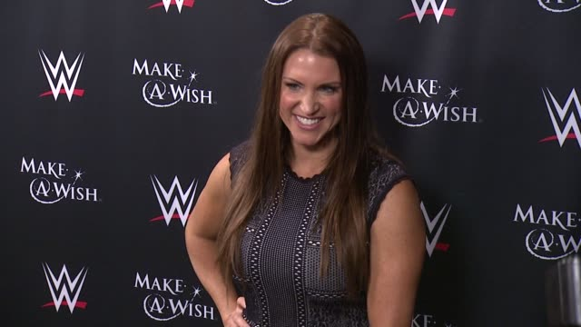 stephanie mcmahon at dave buster's time square on august 21 2015 in new york city - cena stock videos & royalty-free footage
