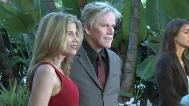stephanie samuelson, gary busey at the smiles from the stars: a tribute to the life and work of roy scheider at beverly hills ca. - ゲーリー ビジー点の映像素材/bロール