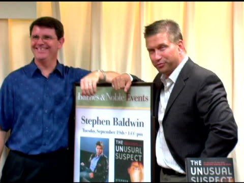 stephen baldwin and co-author, mark tabb at the book signing by stephen baldwin of 'the unusual suspect: my calling to the new hardcore movement of... - stephen baldwin stock-videos und b-roll-filmmaterial