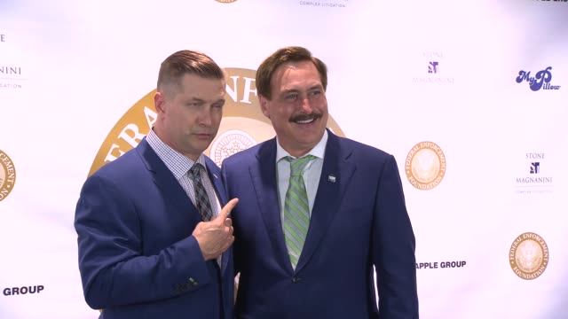 vídeos y material grabado en eventos de stock de stephen baldwin and mike lindell at federal enforcement homeland security foundation ridge awards at sheraton times square on may 19 2016 in new york... - stephen baldwin