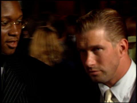 vídeos de stock e filmes b-roll de stephen baldwin at the 1998 academy awards vanity fair party at morton's in west hollywood california on march 23 1998 - 70.ª edição da cerimónia dos óscares