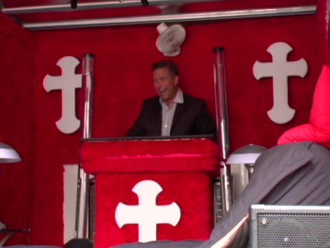 stephen baldwin at the stephen baldwin signing copies of his new book: the unusual suspect: my calling to the new hardcore movement of faith at... - stephen baldwin stock-videos und b-roll-filmmaterial