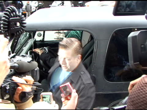 stephen baldwin is mobbed by paparazzi as he arrives at the trump international hotel in new york 04/08/11 - stephen baldwin stock-videos und b-roll-filmmaterial