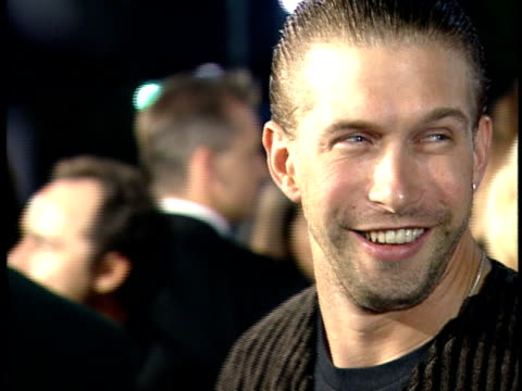 stephen baldwin speaks to a reporter on the red carpet. - stephen baldwin stock-videos und b-roll-filmmaterial