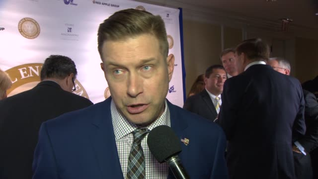 vídeos y material grabado en eventos de stock de interview stephen baldwin talks about coming out to show his support for law enforcement at federal enforcement homeland security foundation ridge... - stephen baldwin