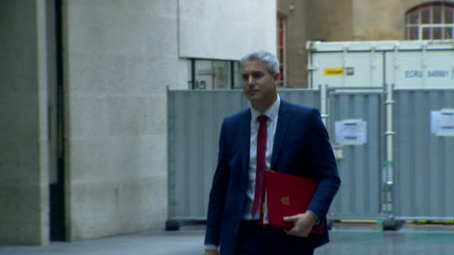 stockvideo's en b-roll-footage met stephen barclay brexit secretary arriving at bbc for andrew marr show - andrew marr