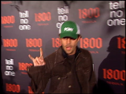 stockvideo's en b-roll-footage met stephen dorff at the tell no one 1800 tequilla talent party at chateau marmont in west hollywood california on may 2 2002 - stephen dorff