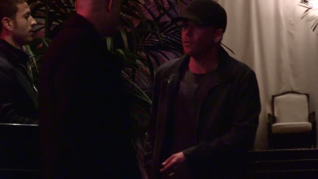 stockvideo's en b-roll-footage met stephen dorff departs chateau marmont in west hollywood 02/26/13 - stephen dorff