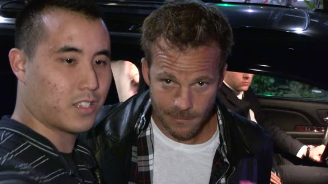 stockvideo's en b-roll-footage met stephen dorff greets fans departing the spring breakers after party at the emerson theatre in hollywood 03/14/13 - stephen dorff