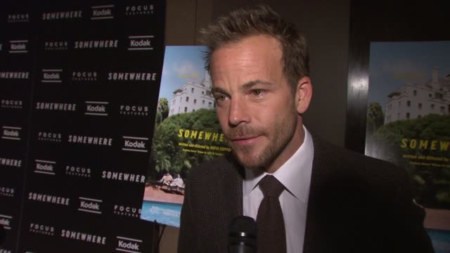 stockvideo's en b-roll-footage met stephen dorff on how he admires sofia coppola and how he would've done anything with her talks about what about his character drew him to do the... - stephen dorff