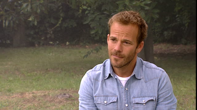 stockvideo's en b-roll-footage met stephen dorff on playing his character and working on set with sofia coppola at the somewhere interviews 67th venice film festival at venice - stephen dorff