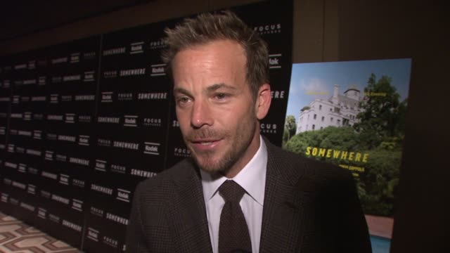 stockvideo's en b-roll-footage met stephen dorff on the relaxed mood on set how sofia made it seem like an intimate space at the 'somewhere' special screening at new york ny - stephen dorff