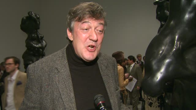 stephen fry on being a part of the night, what he appreciates about herb alpert's work, his favorite piece from the collection at the herb alpert... - スティーブン フライ点の映像素材/bロール