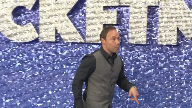 stephen graham at odeon luxe leicester square on may 20, 2019 in london, england. - biographie stock-videos und b-roll-filmmaterial