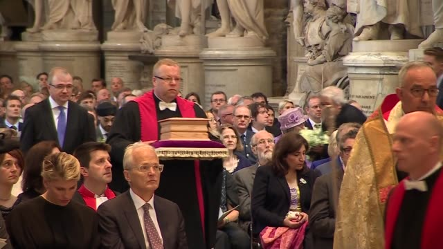 stephen hawking memorial service uk london westminster abbey family procession leaving urn carried ashes interred service booklet london westminster... - decorative urn stock videos and b-roll footage