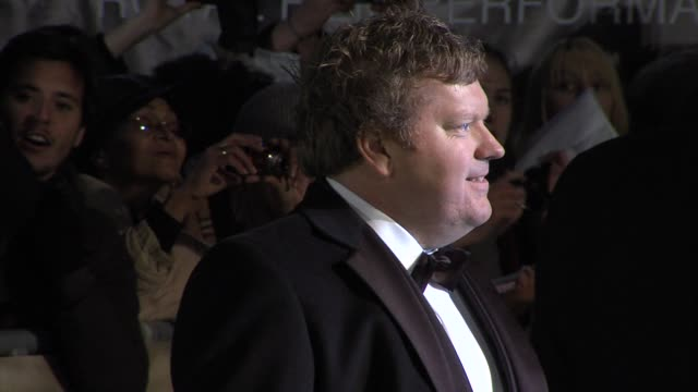 stephen hunter at 'the hobbit' uk premiere and royal film performance at odeon leicester square on december 12, 2012 in london, england. - the hobbit stock videos & royalty-free footage