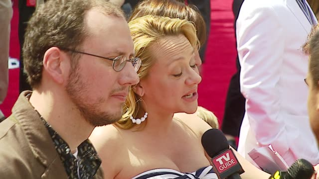 stephen j anderson and nicole sullivan at the 'meet the robinsons' premiere at the el capitan theatre in hollywood, california on march 25, 2007. - el capitan kino stock-videos und b-roll-filmmaterial