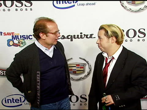 stephen jacoby associate publisher of esquire and carlos ramirez at the vh1's big night for a big cause a benefit for the vh1 save the music... - vh1 stock-videos und b-roll-filmmaterial