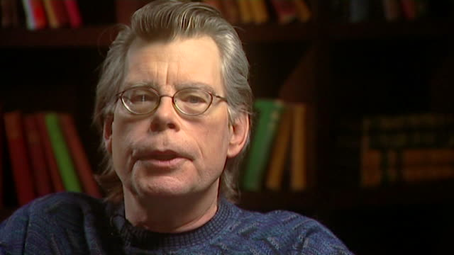 vidéos et rushes de stephen king describes that there isn't a single event that inspired him to write horror saying 'it's like looking for a needle in a haystack when... - en individuel
