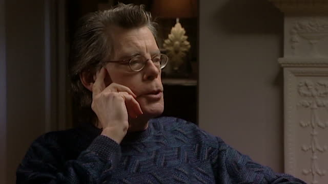 vidéos et rushes de stephen king talks about his mother seeing a sailor commit suicide saying 'the force of that can you imagine what that would have looked like' - suicide
