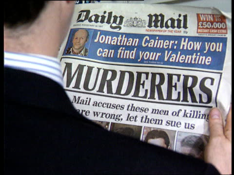mothers of alleged murderers speak out; stephen lawrence: mothers of alleged murderers speak out; lib graphic front page of 'daily mail' with... - デイリーメール点の映像素材/bロール