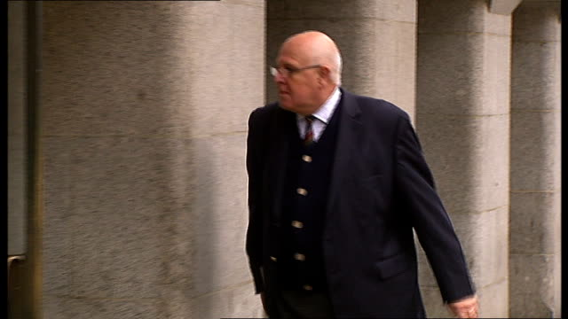 stephen lawrence murder trial: arrivals; neville lawrence along with his lawyer jocelyn cockburn / various arrivals at court seen from another angle... - crime or recreational drug or prison or legal trial stock-videos und b-roll-filmmaterial