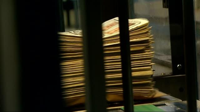 stephen lawrence murder trial: gary dobson and david norris sentenced: daily mail newspaper printed; daily mail newspapers from printing press in... - デイリーメール点の映像素材/bロール