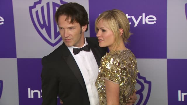 vídeos y material grabado en eventos de stock de stephen moyer anna paquin at the warner bros and instyle golden globe afterparty at beverly hills ca - warner bros