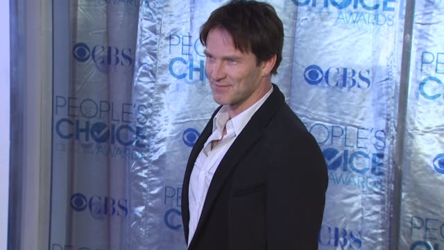 Stephen Moyer at the 2011 People's Choice Awards Arrivals at Los Angeles CA