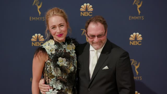 vídeos de stock, filmes e b-roll de stephen root sarah goldberg at the 70th emmy awards arrivals at microsoft theater on september 17 2018 in los angeles california - 70th annual primetime emmy awards