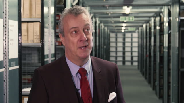 stockvideo's en b-roll-footage met stephen tompkinson on the challenges playing ebenezer scrooge - stephen tompkinson interviews at getty images archive on october 29, 2018 in london,... - stephen tompkinson