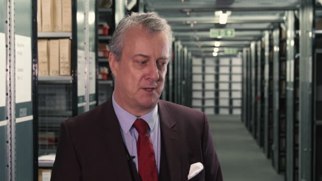 vidéos et rushes de interview stephen tompkinson on what it's like to be back performing at the old vic stephen tompkinson interviews at getty images archive on october... - stephen tompkinson