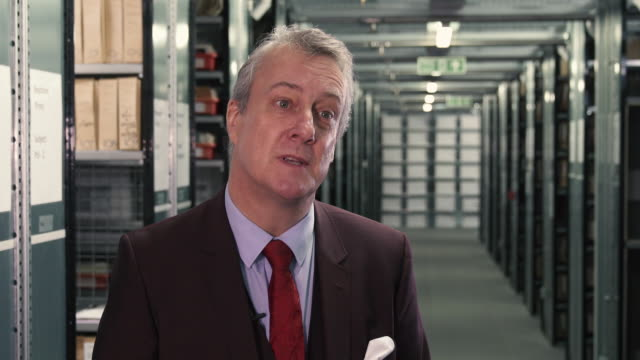 stockvideo's en b-roll-footage met stephen tompkinson on why 'a christmas carol' is the most famous christmas story that's been written - stephen tompkinson interviews at getty images... - stephen tompkinson