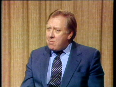 stockvideo's en b-roll-footage met reaction england london westminster int roy hattersley mp interview sot video ex eng ff1232 1824 to 2130 - roy hattersley