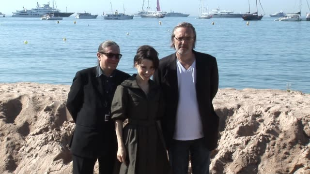 stephen woolley actress sally hawkins and director nigel cole at the cannes film festival 2009 we want sex press event at cannes - sally hawkins stock videos & royalty-free footage