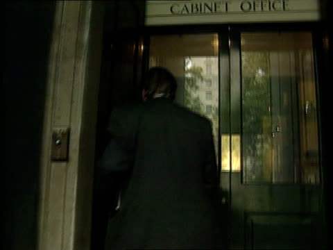 sterling crisis political reactions england gv no 10 with workmen seen london in windows downing st lms workman as standing in window no 10 lms... - kenneth clarke stock-videos und b-roll-filmmaterial