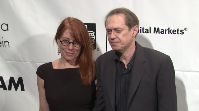 steve buscemi and guest at the ifp's 20th annual gotham independent film awards at new york ny - steve buscemi stock videos & royalty-free footage