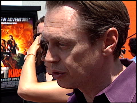 steve buscemi at the 'spy kids 2 the island of lost dreams' premiere at grauman's chinese theatre in hollywood california on july 28 2002 - steve buscemi stock videos & royalty-free footage