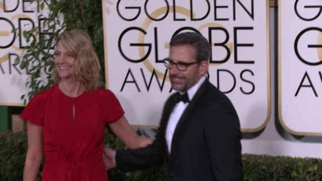 vídeos y material grabado en eventos de stock de steve carell and nancy carell at the 72nd annual golden globe awards arrivals at the beverly hilton hotel on january 11 2015 in beverly hills... - the beverly hilton hotel